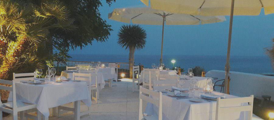 ¿Celebrar un evento al aire libre o en interior?