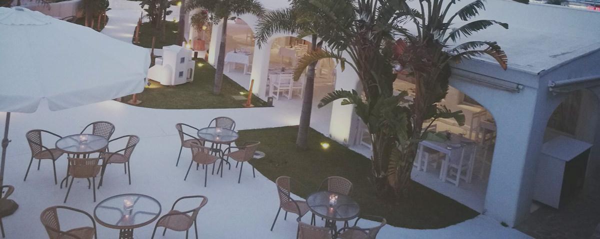 Excelente terraza exterior de restaurante Blankko en Benalmádena